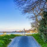 Alba sopra il porto di Bosham ed il villaggio, West Sussex, Regno Unito fotografie stock