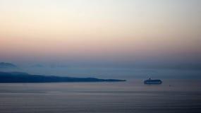 Alba sopra l'Albania ed il traghetto Fotografia Stock Libera da Diritti