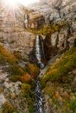 Alba sopra la cascata in autunno Fotografia Stock Libera da Diritti