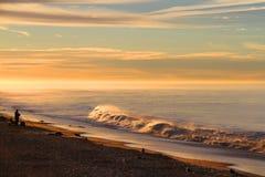 Alba sopra la costa californiana dell'oceano Immagini Stock Libere da Diritti