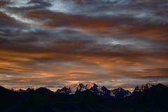 Alba sopra le alpi svizzere Immagini Stock Libere da Diritti