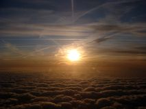 Alba sopra le nubi Immagini Stock