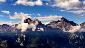 Alba sopra montagne delle alpi, Italia Fotografia Stock Libera da Diritti