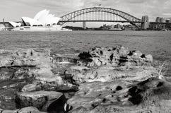 Alba sopra Sydney Harbour Bridge ed il teatro dell'opera Sydne Fotografia Stock Libera da Diritti