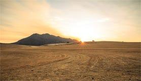 Alba sopra una montagna nel Sudafrica immagine stock libera da diritti