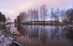 Alba su un fiume di inverno Immagine Stock