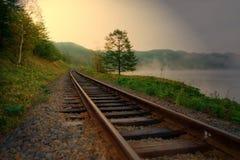 Alba su un lago della montagna Fotografie Stock