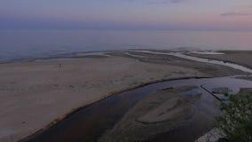 Alba su una spiaggia baltica nordica 4k UHD stock footage