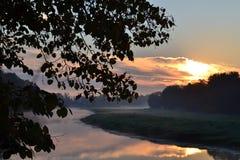 alba sul fiume Immagini Stock Libere da Diritti