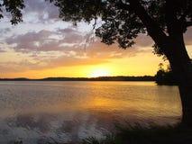 Alba sul lago Immagine Stock