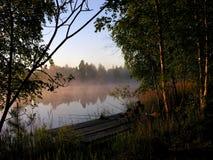 Alba sul lago, Bielorussia Fotografie Stock