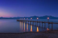 Alba sul lago famoso Chiemsee fotografia stock libera da diritti