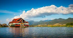 Alba sul lago Inle fotografia stock libera da diritti