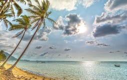 Alba sulla spiaggia abbandonata Fotografia Stock Libera da Diritti