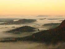 Alba in una bella montagna della Ceco-Sassonia Svizzera Fotografie Stock Libere da Diritti