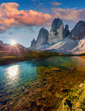 Alba variopinta di estate sul lago Rienza Fotografia Stock Libera da Diritti