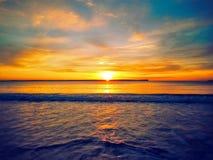 Alba vibrante sopra l'oceano Fotografie Stock