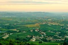 Alba, vignobles du Langhe Photographie stock libre de droits