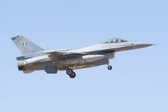 ALBACETE HISZPANIA, KWIECIEŃ, - 11: Militarny myśliwiec podczas demonstraci w Albacete bazie powietrznej, Los Llanos na Kwietniu 1 zdjęcia stock