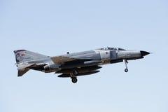 ALBACETE HISZPANIA, KWIECIEŃ, - 11: Militarny myśliwiec podczas demonstraci w Albacete bazie powietrznej, Los Llanos na Kwietniu 1 fotografia stock
