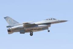 ALBACETE HISZPANIA, KWIECIEŃ, - 11: Militarny myśliwiec podczas demonstraci w Albacete bazie powietrznej, Los Llanos na Kwietniu 1 obrazy stock