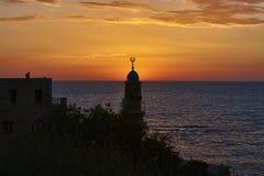 AlBahr清真寺在日落期间的海清真寺 库存图片
