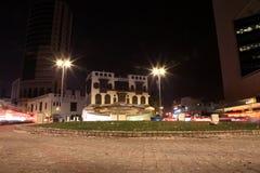 Albalad historiskt ställe Jeddah Saudiarabien på natten Balad som shoppar areaMay 12, 2018 Saudiarabien Arkivfoto
