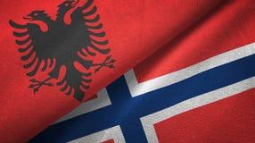 Albanië en Noorwegen twee vlaggen textieldoek, stoffentextuur vector illustratie