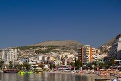 Albania Saranda, Lipiec - 16, 2018 plaże w centrum miasta obrazy stock
