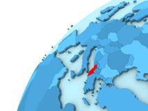 Albania w czerwieni na błękitnej kuli ziemskiej Fotografia Stock
