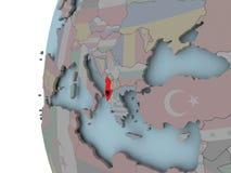 Albania z flaga na kuli ziemskiej ilustracji