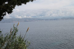 Albanien från Kassiopi, Grekland Royaltyfri Fotografi