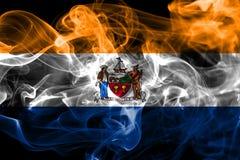Albanien-Stadtrauchflagge, neuer Yor-Zustand, die Vereinigten Staaten von Amerika Stockfotos