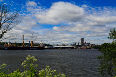 Albany NY с другой стороны Гудзона в Rensselaer Стоковое фото RF