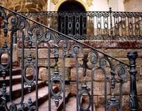 AlbarracÃn Spanien, kyrklig räcke Fotografering för Bildbyråer