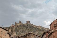 AlbarracÃnkasteel van binnenuit de stad, Teruel, Spanje royalty-vrije stock afbeeldingen