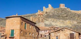 Albarracin和围墙全景  免版税库存照片