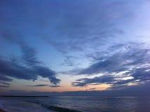 Albeggia in mare, il ` s una bella vista Fotografia Stock