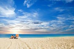 Albeggiare tropicale della spiaggia Fotografie Stock