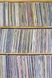 Alben auf Regal Lizenzfreie Stockbilder
