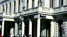 Albergo di lusso archivistico a Londra stock footage