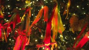 Alberi di Natale decorati in onore della settimana di Shrovetide a Mosca vicino al quadrato rosso Bello paesaggio dal colorato da stock footage