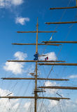 Alberi su un clipper con la bandiera dell'Antigua Fotografia Stock