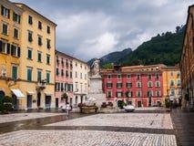 Alberica fyrkant i staden av Carrara Royaltyfri Foto