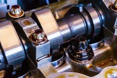 Albero a camme che ripara o ispezionato, la funzione controllata dell'asse della valvola immagine stock