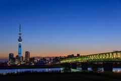 Albero del cielo di Tokyo al crepuscolo Fotografia Stock Libera da Diritti