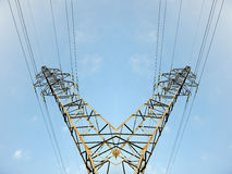 Albero della corrente dell'albero della torre di elettricità Immagini Stock