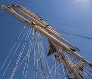 Albero della nave su cielo blu Fotografia Stock Libera da Diritti
