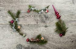 Albero di abete di Natale con i coni Immagini Stock Libere da Diritti