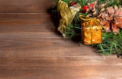 Albero di abete di festa della corona di Natale Toy Berries Gift Magic Decor C fotografia stock libera da diritti